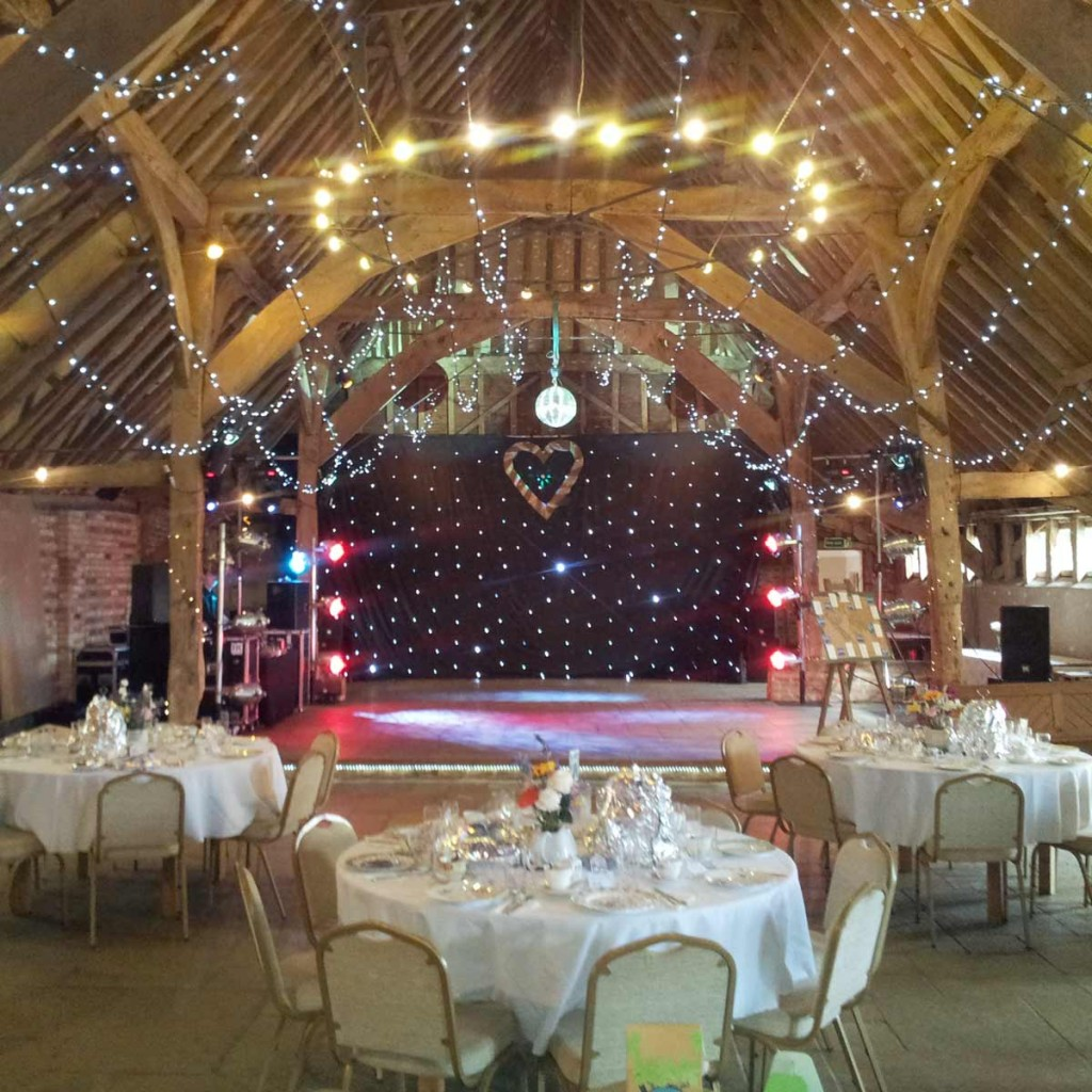 Red-Barn_Wedding_Disco